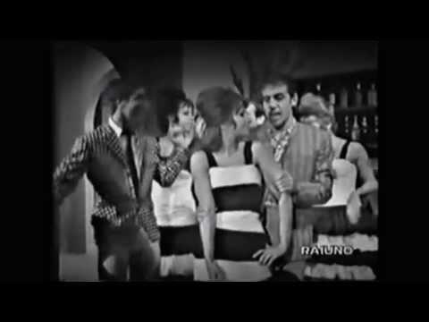 Adriano Celentano -  Eravamo in 100 000 (HD)