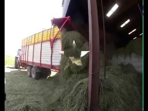Récolte du fourrage chez bio-thorey.fr