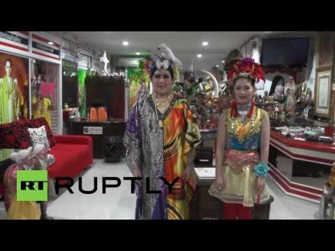 Thailand: Want Bigger Breasts? Let This Bangkok Salon Slap You Sexy