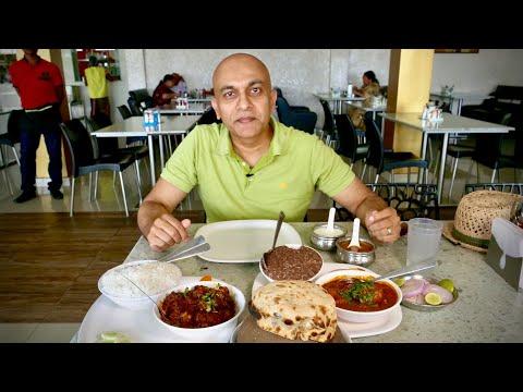 NAATU KODI PULUSU, GONGURA MUTTON, Kurnool Pot Biryani At FOOD PYRAMID | BANGALORE-HYDERABAD Highway