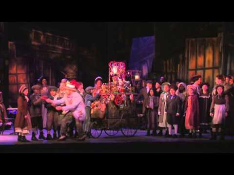 Puccini: La boheme - Act II Opening