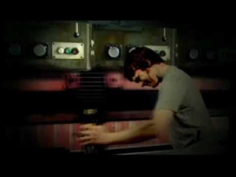 Клип The Whip - Divebomb