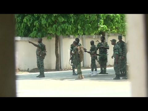 Ivory Coast: One dead as army mutiny takes a violent turn