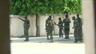 Ivory Coast  One dead as army mutiny takes a violent turn