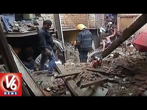 1 Died After 5 Storey Building Collapses In Bandra | Mumbai | V6 News