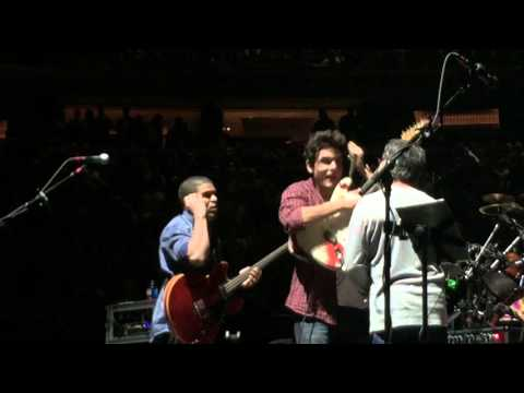 Dead & Company - November 1st 2015 MSG - John Mayer gets told by Mickey Hart the set is over