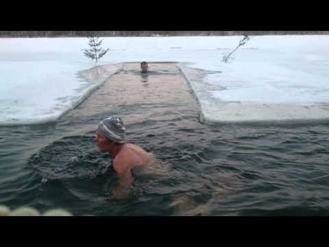 GENERAL MAKKONEN  ICE SWIMMING - AVANTOUINTI - IS BADING