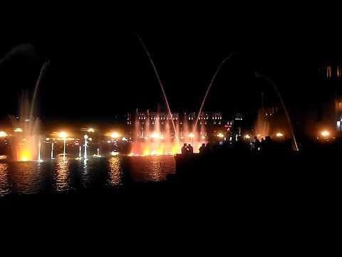 Любимое место горожан и гостей Еревана - поющий фонтан в центре, май 2019