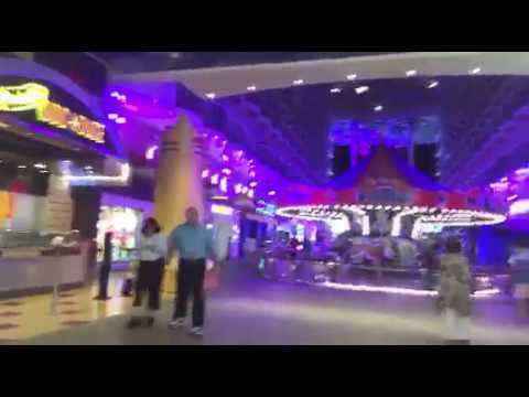 Harmony of the Seas- The Boardwalk Tour | Global Munchkins