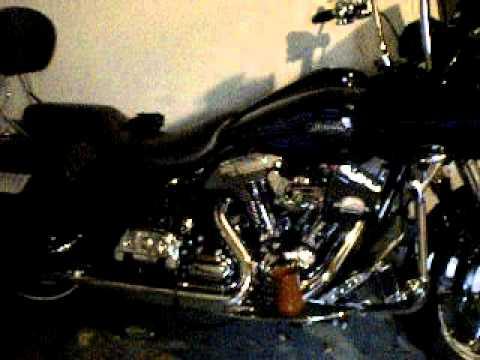 Harley-Davidson Roadglide \'Hawg-Wired\' Audio - YouTube