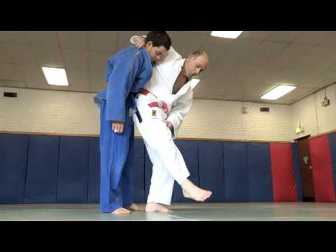 How To Do Judo Sweeps