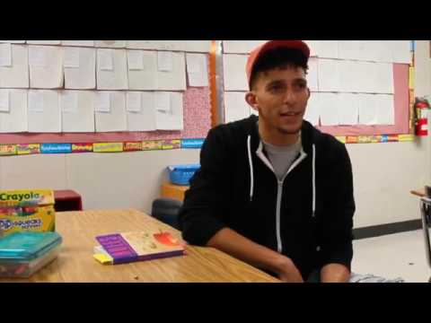"""Khleo Thomas Reads and Watches """"Holes"""" with Shirley Elementary School Students"""