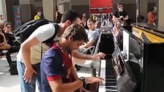 عندما يلتقي جزائري مع اسباني في المطار - عزف بيانو ولا اروع - فرنسا -