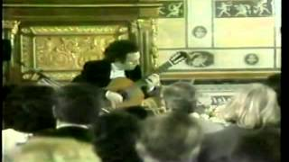 Ernesto Bitetti plays J.S.Bach - Siciliana and Fugue, BWV 1001.