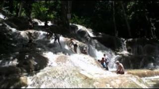 Dunns River Falls Jamaica, Girl Takes a Crazy Fall