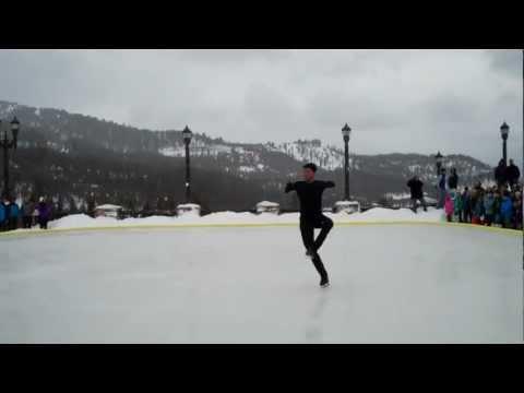 Olympic Gold Medalist Evan Lysacek Skating Demonstration