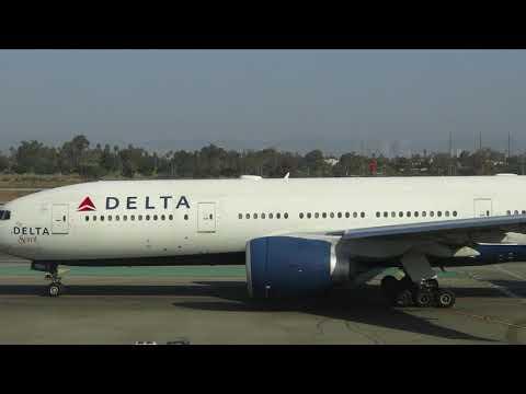 Plane Spotting at Delta Air Lines' Terminal 3 at LAX Airport