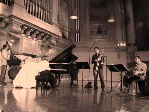 PIAZZOLLA: Tango Distinto (Liarmakopoulos, Del Curto, Brunetti, Giraudo) [Naxos 8.572596]