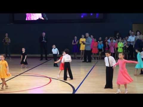 Детский конкурс бальных танцев. Часть 1. Выступление маленьких чемпионов