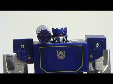 Video review of Takara/Tomy Music Label; Soundwave