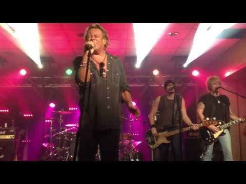 Bad Company / Brian Howe - Holy Water (Live)