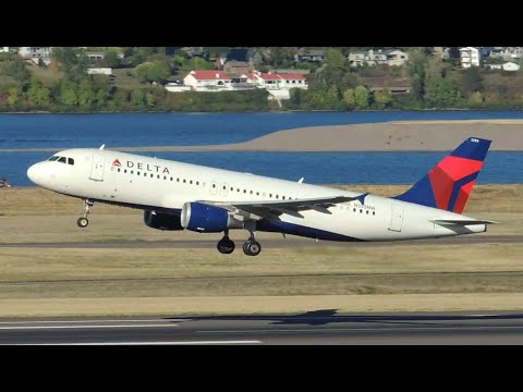 Delta Airlines Airbus A320-212 [N355NW] takeoff from PDX