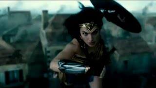 Can Gal Gadot's Wonder Woman Fly?!!