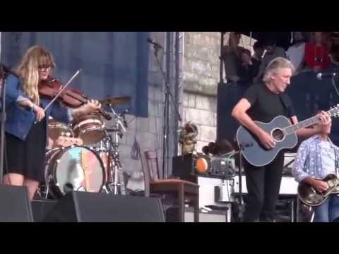 Roger Waters - Wide River To Cross -  Levon Helm