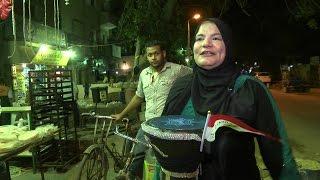"""دلال عبد القادر """"مسحراتية""""  امرأة تجوب شوارع القاهرة"""