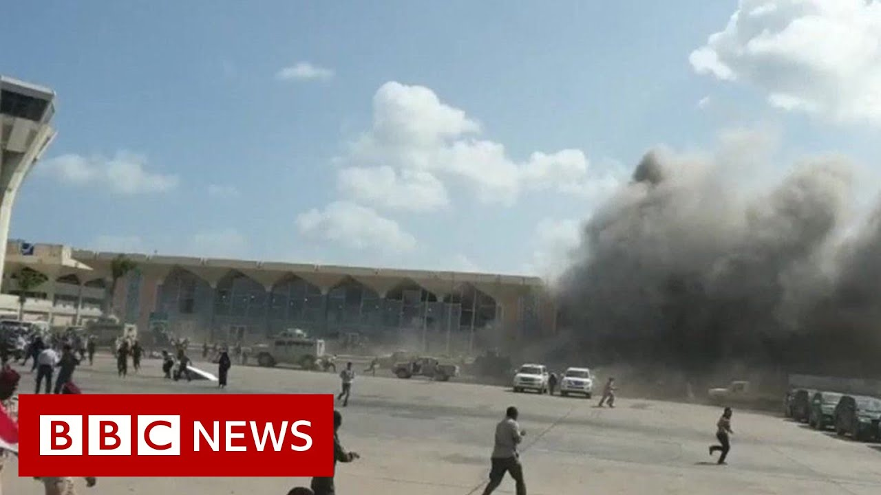 Yemen war: Explosions at Aden airport as new government arrives - BBC News