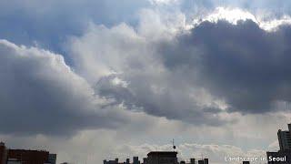 21년1월. 미세먼지 없는 서울 하늘의 역동적인 구름 …