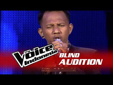 """Chandra Aditya """"Aku Lelakimu"""" I The Blind Audition I The Voice Indonesia 2016"""