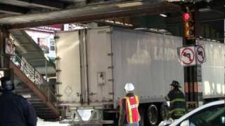 New York City Truck Crash NYPD Police and NYFD Firefighter 2010 (HDTV 1080p)