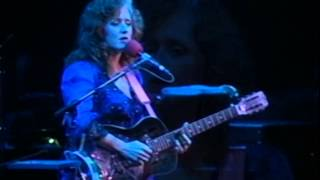 Watch Bonnie Raitt Cry On My Shoulder video
