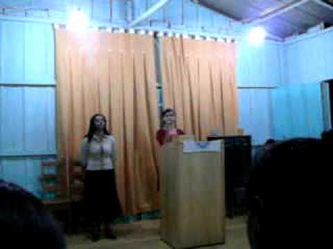 karolayne cantando