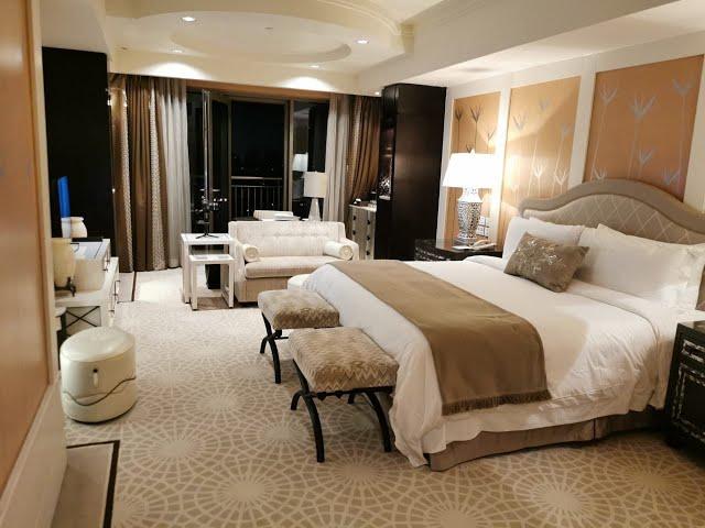غرفة ديلوكس بفندق سانت رچيز.. سعر الليلة تبدأ من ٣٧٠٠ج إلي ٤٥٠٠ج . تصوير كامل للغرفة