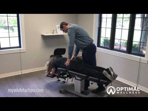 Wichita KS Nerve Pain Treatment Center – Chiropractic Adjustment