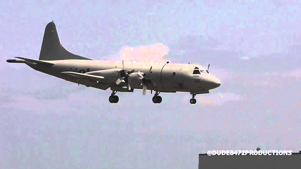 us navy lockheed p 3 orion landing at paine field ᴴᴰ youtube