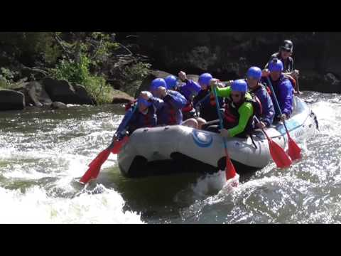 2016 Upper Gauley White Water Rafting in Class V Rapids-Wipeout!