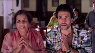 One Two Three - Best Comedy Scenes Part 1 - Suniel Shetty, Tusshar Kapoor, Paresh Rawal & Esha Deol Thumb