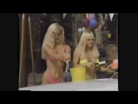 2 Bikini Carwash