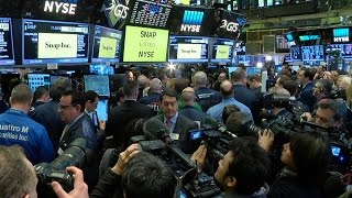 Jim Cramer breaks down the value of Snapchat's ad business on the day of the company's IPO.