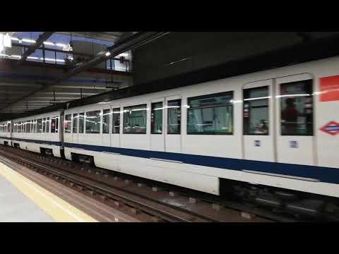 Metro de madrid línea 8 serie 8000 en Colombia hacia aeropuerto t-4