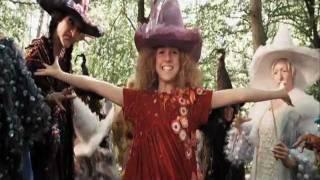 Fucsia, la mini bruja - Trailer español