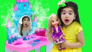 Suri Pretend Play DRESS UP w/ Kids Make Up Toys