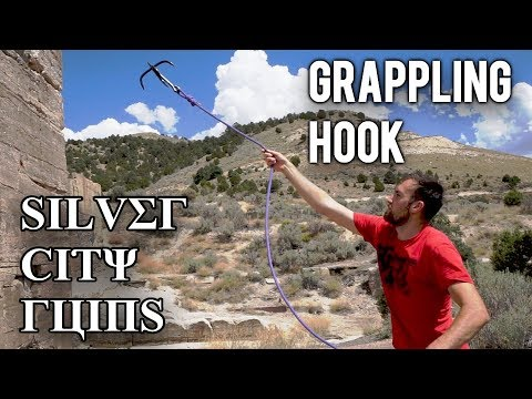 How To Use a GRAPPLING HOOK | Parkour at The Silver City Ruins