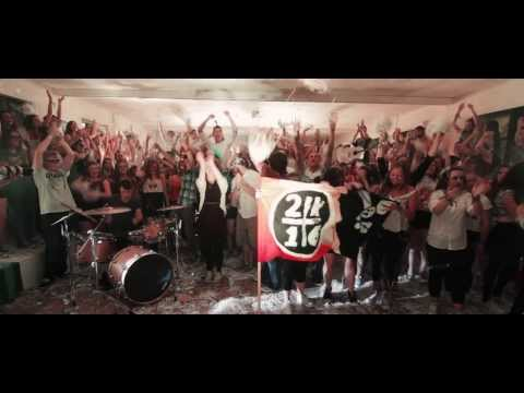 "Macklemore & Ryan Lewis - ""Can't Hold us"" as Gaeilge"
