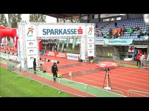 Bruttozeit 00:11:53-01:12:00 - Zieleinlauf Sparkasse Marathon 2015