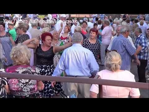 Танцуем на дискотеке