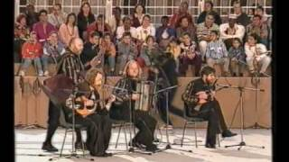 Terem-Quartet in Vatican(Выступление Терем-квартета на площади Св.Петра в Ватикане. Перед Папой Римским Иоанном Павлом II и Матерью..., 2009-08-25T09:45:29.000Z)